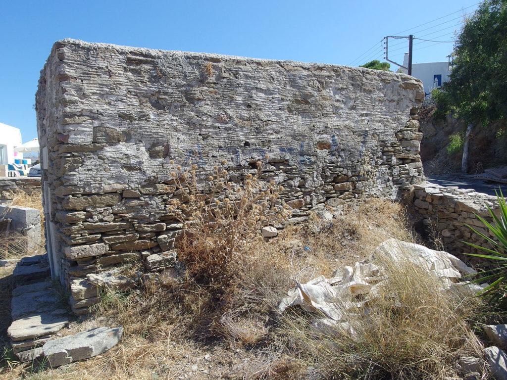 Small church near Parasporos Paros
